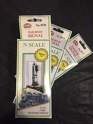 N Scale Model Power 3 Aspect Signal Brand New X 3