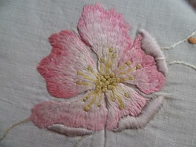 Antique c1910 ~SOCIETY SILK ~ Briar Roses~ Hand-Embroidered Linen Centre/mat~21""