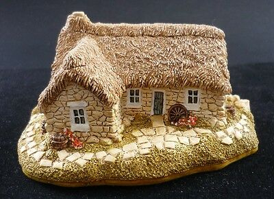 """Lilliput Lane """"culloden Cottage"""" 1989 Perfect. Unboxed.the Scottish Collection"""