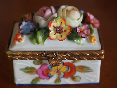 Antique SEVRES French Floral Bouquet Applique Hand Painted Trinket Box Signed