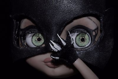 ADOPTED ME.   I LOVE YOU and you will love me!!  blythe custom  CATWOMAN BLYTHE