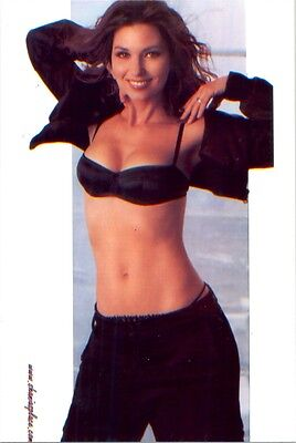 Shania Twain - Jeans And A Bra On And Big Smile !!!!