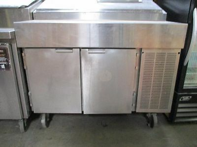 Traulsen VPS48S Salad/pizza/Sandwich prep table