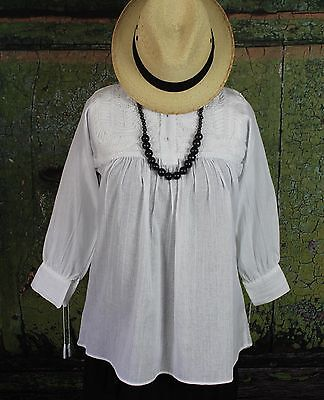 White on White Hand Embroidered Blouse Mayan Chiapas Mexico Hippie Santa Fe Boho