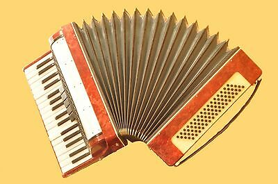 VOSTOK    Russian  Chromatic Folk Piano Accordion    80 Bass  5 Registers