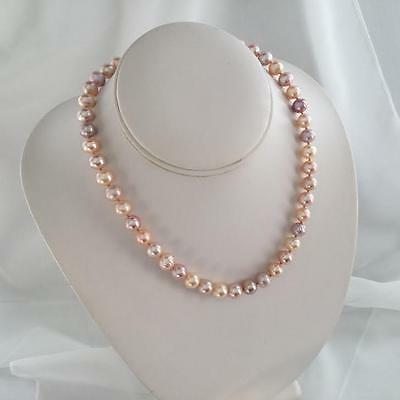 Genuine Freshwater Pearl 9 - 10Mm  Necklace 14 K Yellow Gold U$379.00
