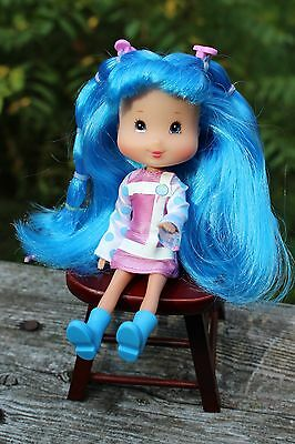 Strawberry Shortcake Playmates Blueberry Muffin Candy Pops doll