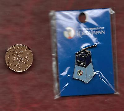 South Korean 2002 World Cup pin badge - Oriental costume from South Korea