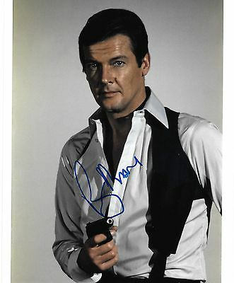 roger moore portrait with gun JAMES BOND signed 10x8 photo PROOF