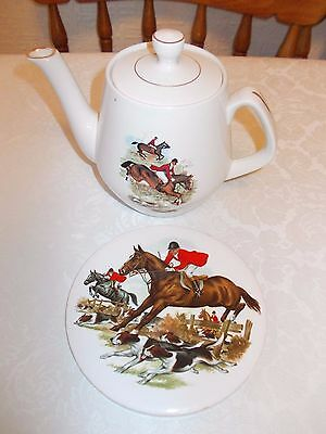vintage fox hunting scene horse & hound teapot like tally ho & teapot stand