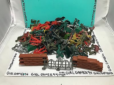 Lot Of 100 Plastic Green Army Men Military Soldiers Figures With 2 Bunkers