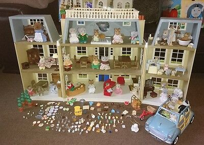 Sylvanian Families Grand Hotel, with Car, Fully Furnished, 29 Figures extras