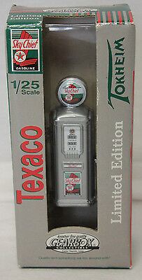 GEARBOX Diecast Texico Sky Chief TOKHELM Gas Pump 1950 1/25 LIMITED EDITION