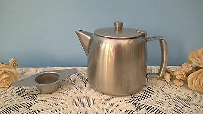 Old Hall Stainless Steel 2 Pint Teapot & Empire Made Tea Strainer With Bowl