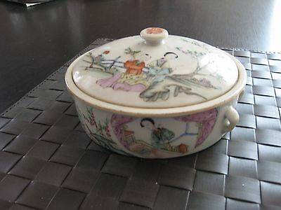 Antique Chinese lidded bowl, beautiful hand painted decoration