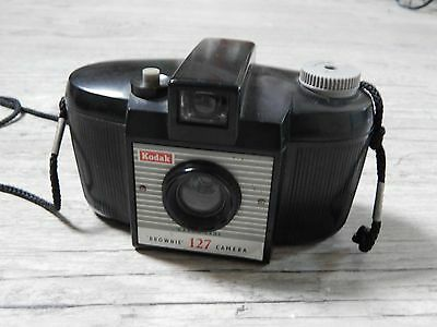 Appareil photo ancien Kodak Brownie 127 camera