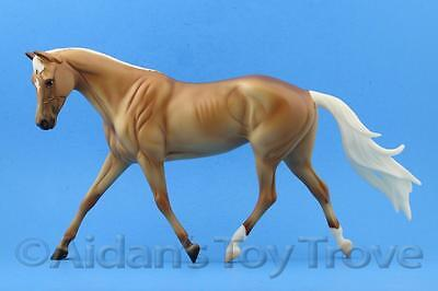 Breyer Bees Knees 711149 - Traditional Horse - BreyerFest SR Palomino Strapless