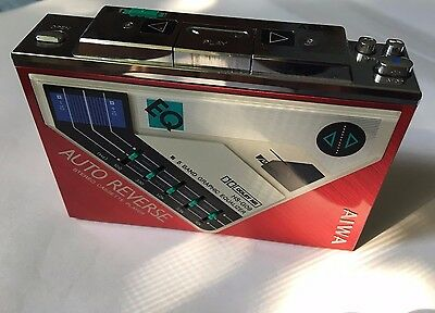 RARE RED AIWA HS-G09 1986 Personal Stereo Cassette Player ( Auto Reverse issue )