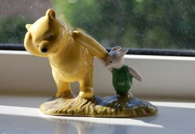 Royal Doulton Winnie the Pooh: Pooh and Piglet - the windy day