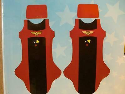 Wonder Woman Car Seat Cover  2pcs Red  Covers  Wonder-Woman Front Logo UNIVERSAL