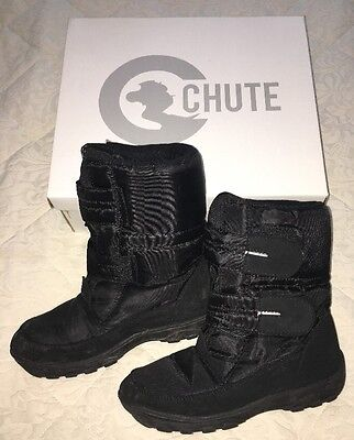 CHUTE Black Snow Ski Winter Boots Boys Girls Size 4 (3) Excellent Cond