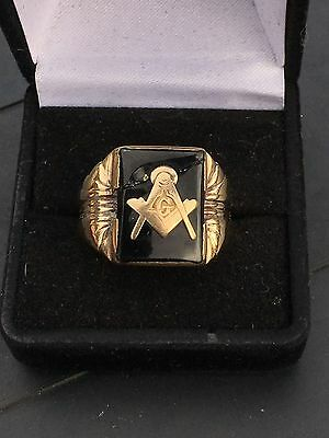 Classic 10K Gold Masonic Ring Black Onyx Ctr Pc w/Square & Compass, Size 9.5