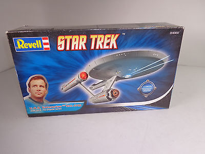 Revell 1:600 Star Trek  Oriinal Series USS Enterprise NCC 1701 Model Kit 04880