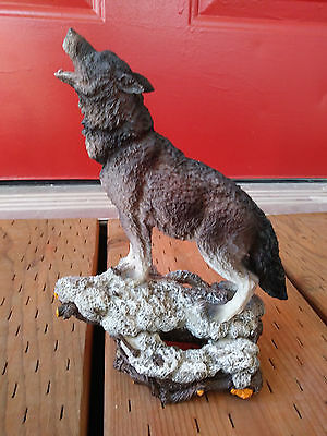 "Gray Wolf Howling Staue Figure Wildlife Animal Nature Indian 8.5"" Tall"