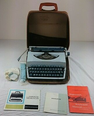 Vintage Imperial Messenger Portable Typewriter In Carrying Case 1960's