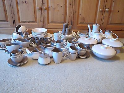 Poole Pottery Twintone Mushroom And Sepia C54 118 Pieces Tableware 1950's >