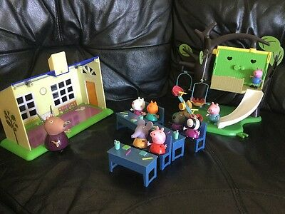 Peppa Pig Toy Bundle: Class Room, Treehouse, 9 Figures