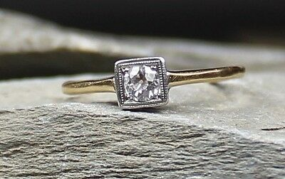 Pretty Vintage Art Deco 18Ct Gold Diamond Engagement Ring