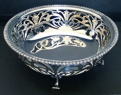 Canadian solid sterling silver centrepiece from 1930-1940, weighs a massive 300g