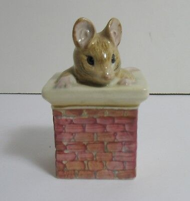 Beatrix Potter TOM THUMB Mouse Figurine in Chimney England Peter Rabbit