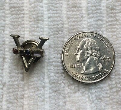 WWII Victory V with Jeweled Morse Code Lapel Button