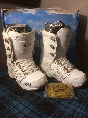 Thirtytwo Lashed Men's Snowboarding Boots - White/ Gold  Size 9
