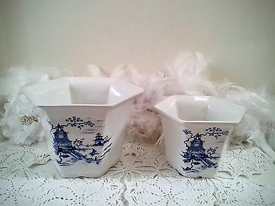 Blue Willow planter pots, white planters with blue willow, Royal Winton England