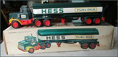 Vintage 1977 Hess Tanker Truck Gasoline/Fuel Oils Toy Truck in Original Box