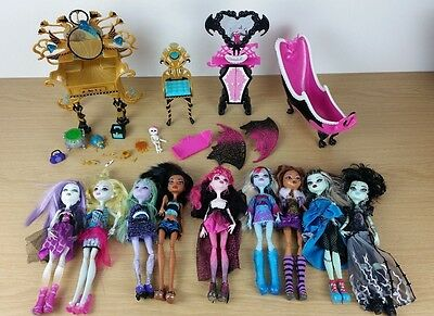 Monster High Dolls Bundle 9 Dolls - Clothes Shoes and Accessories