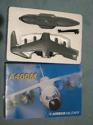 __ AIRBUS  MILITARY__ AIRBUS A 400M _  Plastique  _  ech 1/178 _ comme NEUF __