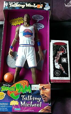 MICHAEL JORDAN SPACE JAM IN BOX PLUS SHAQ,basketball,nike,cartoon,bugs bunny