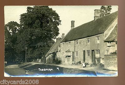 TODENHAM Gloucestershire   Village scene  - houses with children     RP