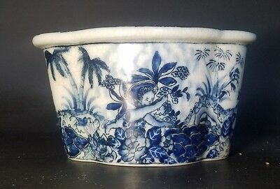 United Wilson Chinese Porcelain Blue and White Planter Flower Pot