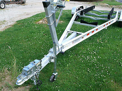 2017 Venture Boat Trailer, 21-33ft boats, Delivery Possible, Export OK