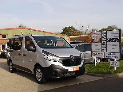 New Renault Trafic Business, LWB, Manual, Diesel, 9 Seater Taxi, Silver