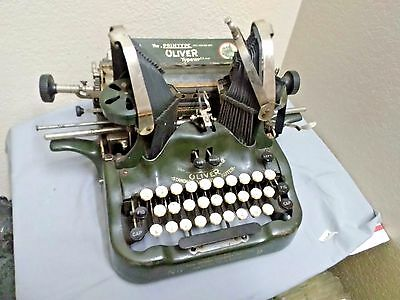 Antique Oliver Printype Standard Visible Typewriter No. 9 Green with Batwing