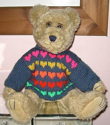 """Teddy Bears Clothes. New hand knitted blue """"hearts"""" jumper to suit a 15"""" bear"""