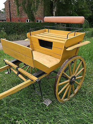 Horse carriage one axel in good condition
