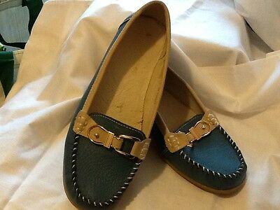 Ladies Blue Caravelle Leather Buckle Loafers Size 4 Eu37