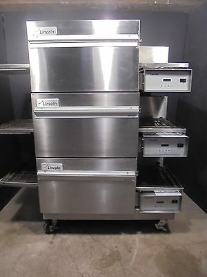 PIZZA CONVEYOR OVENS LINCOLN 1132   208 volt 3 phase >>>NICE OVENS $7500.00<<<